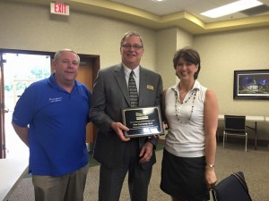 First Community Bank gets WC Beautification Award
