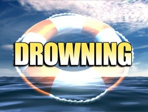 Man dies after boat overturns on Congaree River