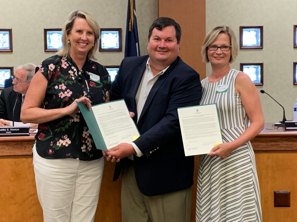 Mary Brooks, Christy Henderson receive resolution from West Columbia for education