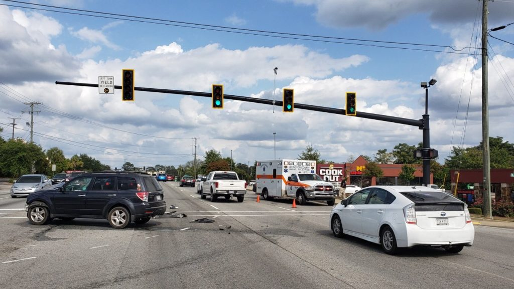 Crash slows traffic in Lexington, Sunday