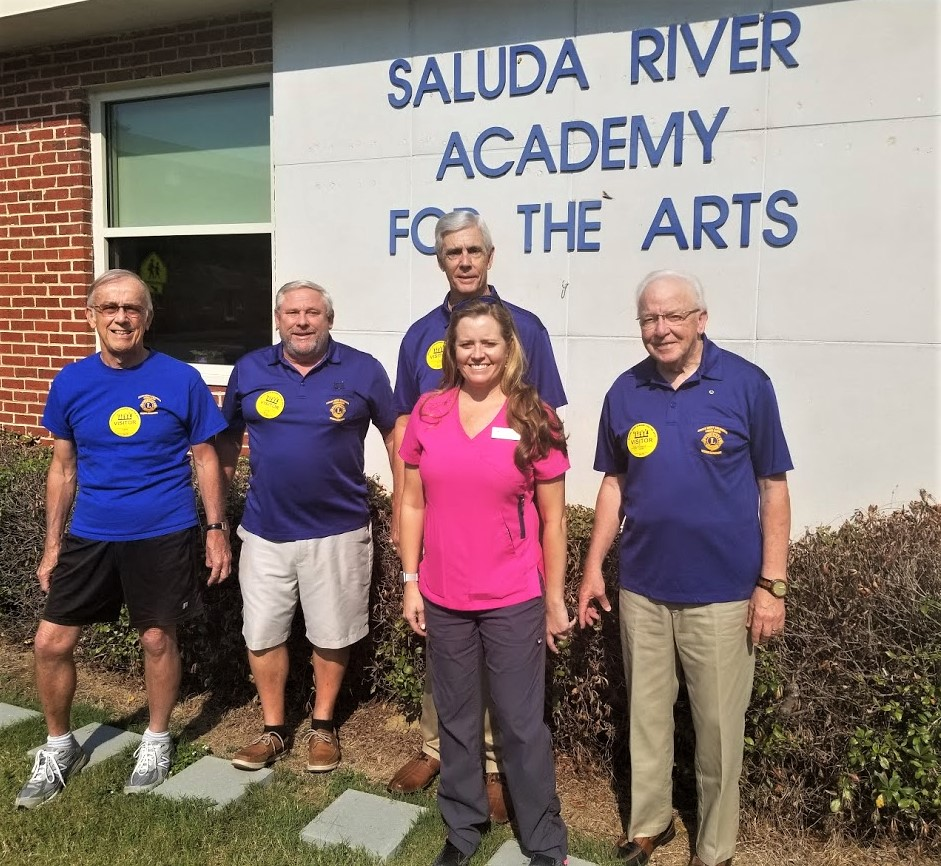 Cayce-West Columbia Lions perform eye exams for Saluda River students