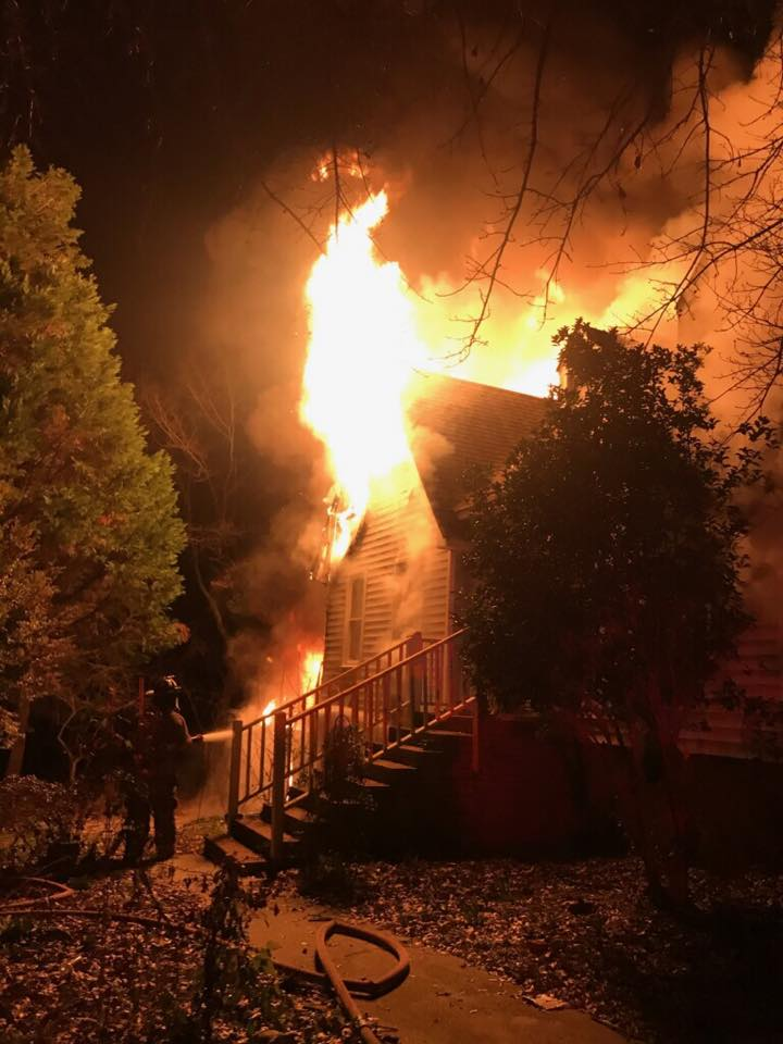 Lexington County fire displaces 2