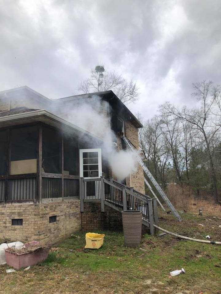 Lexington County fire displaces 4