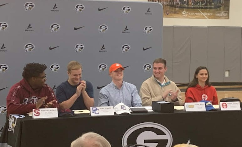 5 Gray Collegiate athletes sign to play in college
