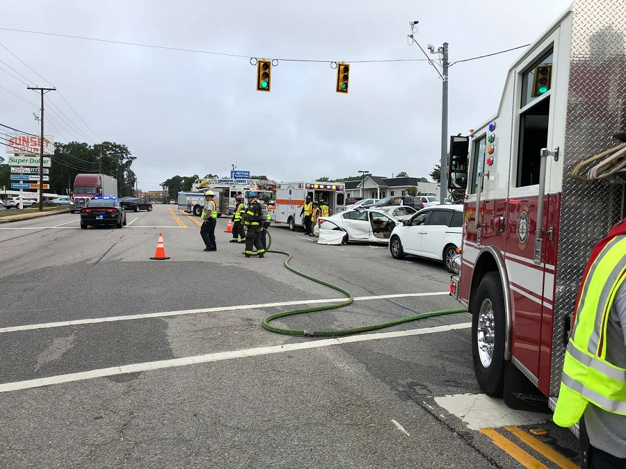 West Columbia Fire Department responds to Sunset Boulevard crash