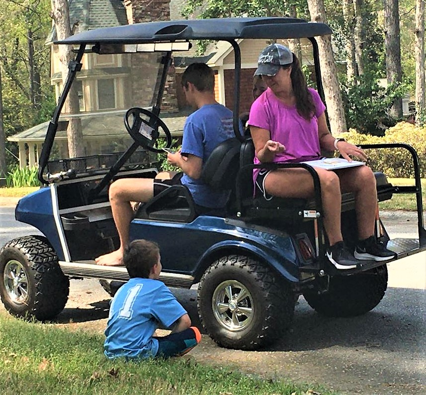 "Riverbank's Melanie Thornton creates ""Rolling Reading"" from golf cart"