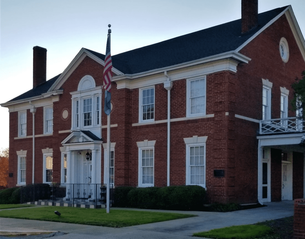 Thompson S Funeral Home Is Closing Its State Street West Columbia Location Westmetronews